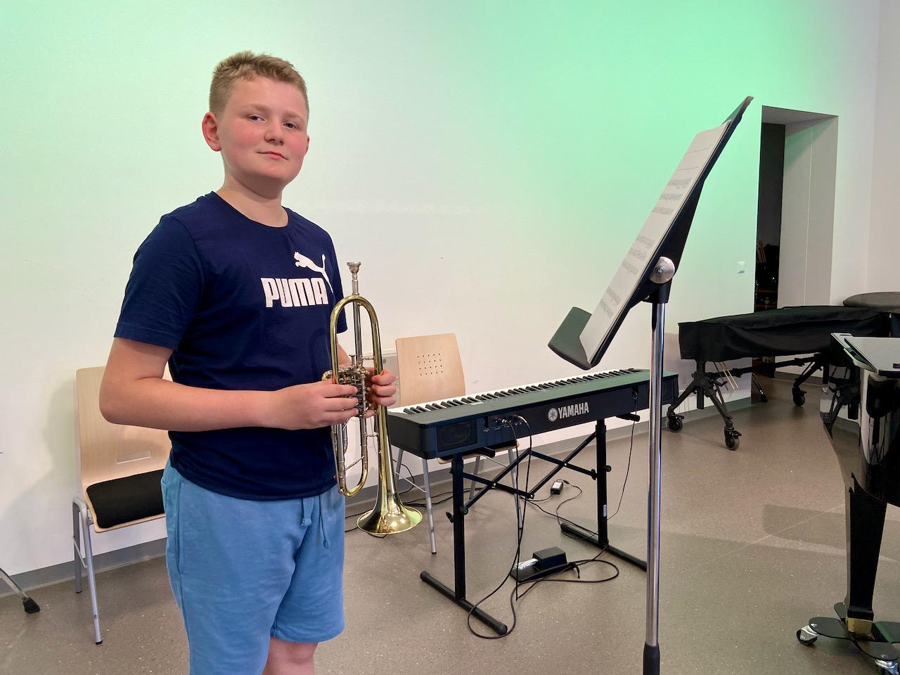 Pauli spielt auf der Trompete…